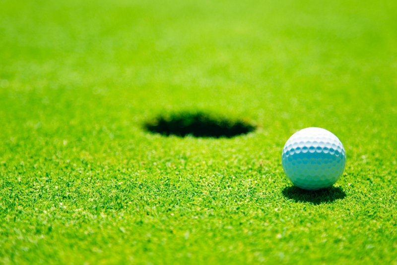 History of balls and holes in golf